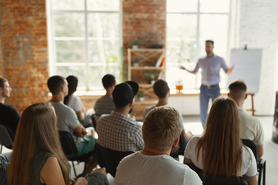 generate b2b leads with speaking events
